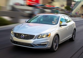 Volvo sells a record 465,866 cars in 2014