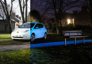 Nissan Leaf's Paint Glow In the Dark, Nissan Becomes first Automaker to Apply Glow-In-the-Dark Paint [Video]