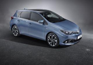 Toyota to showcase 2015 Auris alongside Avensis at the upcoming Geneva Motor Show