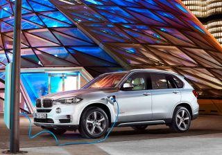 BMW X5 xDrive40e is a Plug-in Hybrid all-wheel drive