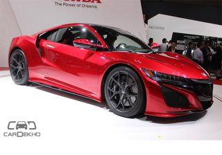 2015TokyoMotorShowLive: Honda Showcases NSX Hybrid and FCV Hydrogen Fuel Vehicle