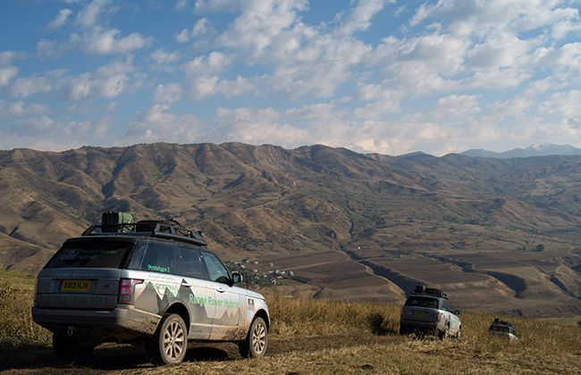 Range Rover Hybrids Silk Trail 2013 reaches halfway to their Mumbai destination