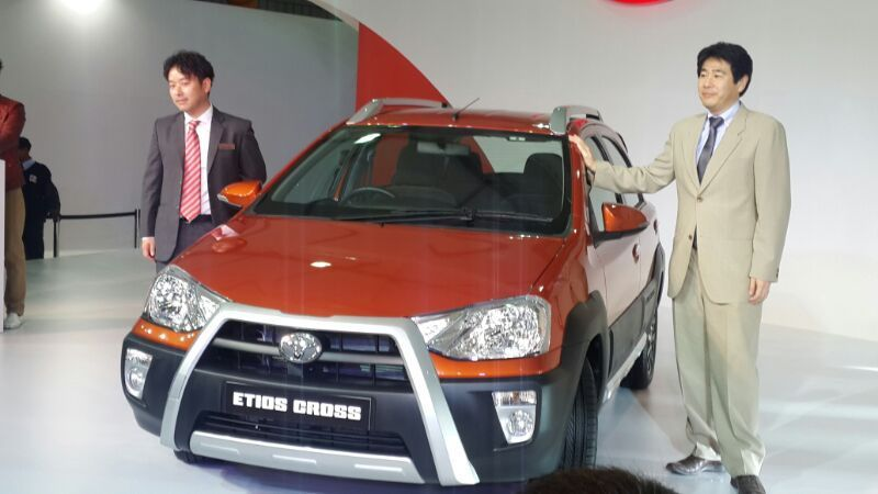 Toyota Introduced Etios Cross At The Delhi Motor Show