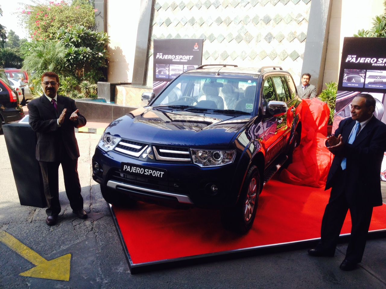 Mitsubishi Pajero Sport 4x2 AT Launched in India at INR 23.55 Lacs