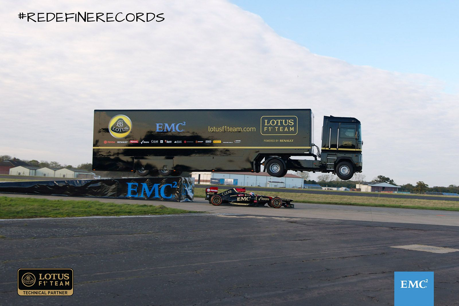 Video: Renault truck takes world record jump over Lotus Formula One car