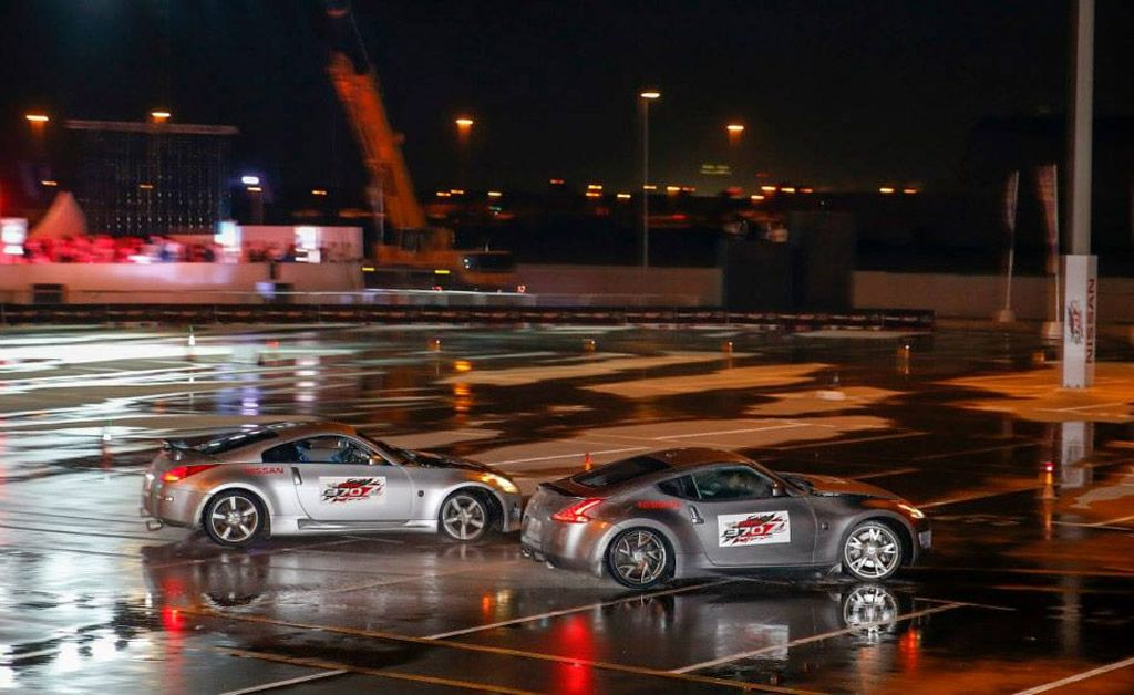 Video: Nissan sets longest twin drifting world record