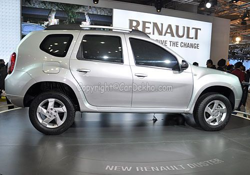 renault duster spied doing test runs in chennai. Black Bedroom Furniture Sets. Home Design Ideas