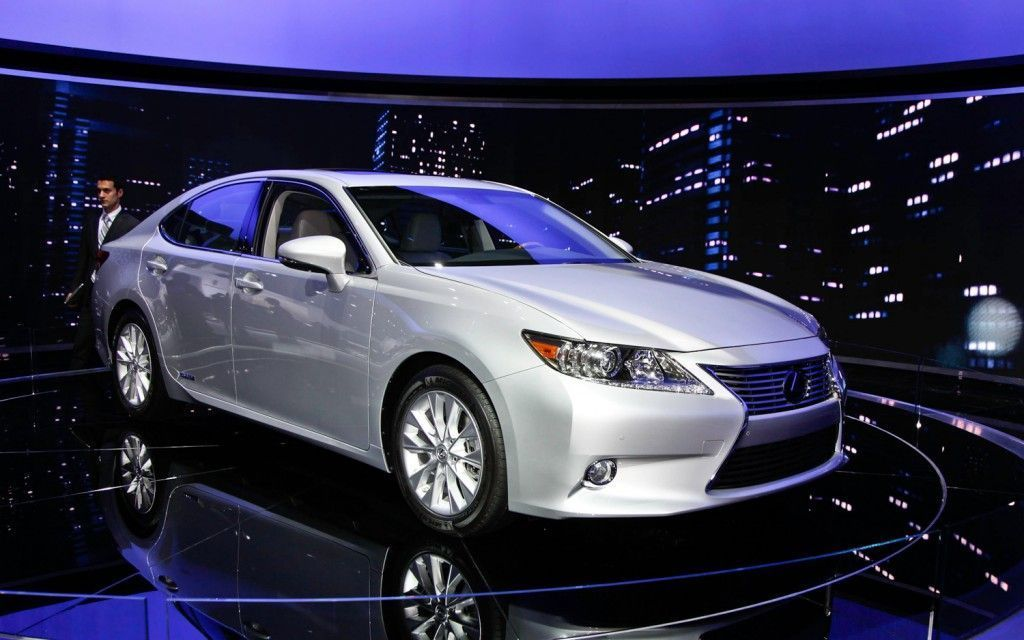 2013 Lexus ES350 will feature the Steering- Assist Vehicle Control (S-VSC) System