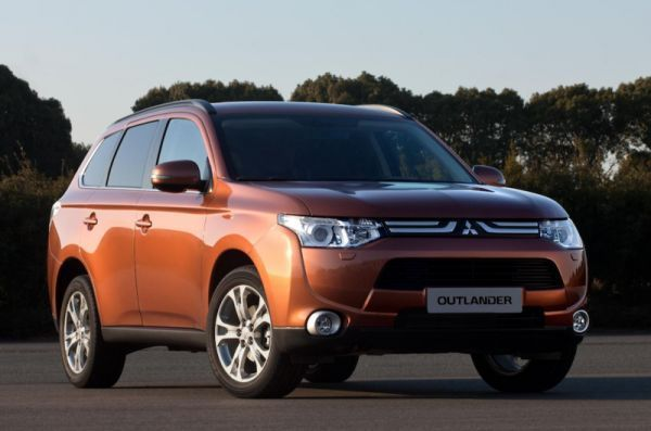 Mitsubishi to Showcase New Technology on the Outlander at the Paris Motor Show