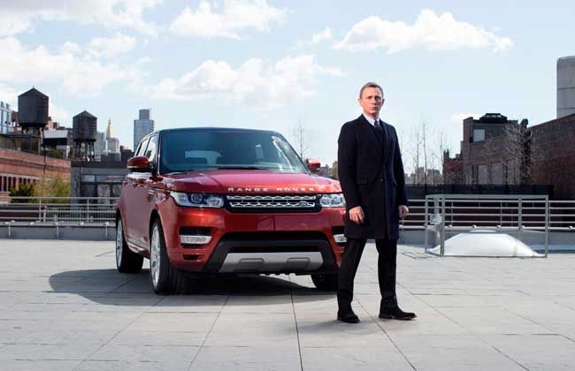 The new Range Rover Sport unveiled at the New York Motor Show by James Bond