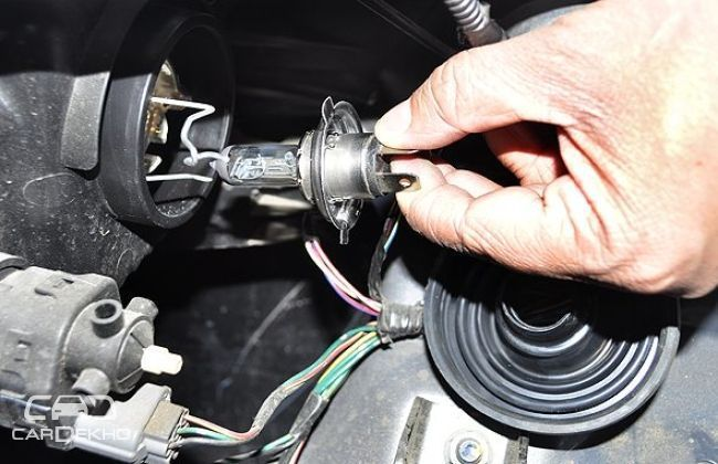 How to replace headlamp bulbs: 5 easy steps