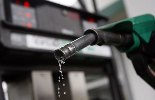 An average petrol attendant is paid between ₦10,000 and ₦15,000 monthly, but a smart attendant can make his salary in one day by cheating customers.