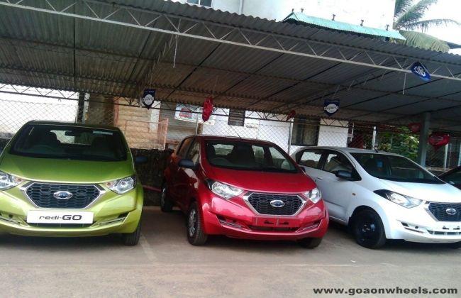 Datsun Redi Go Reaches Dealerships Cardekho Com
