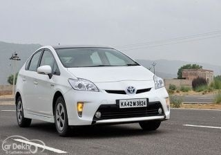 toyota-prius-expert-review